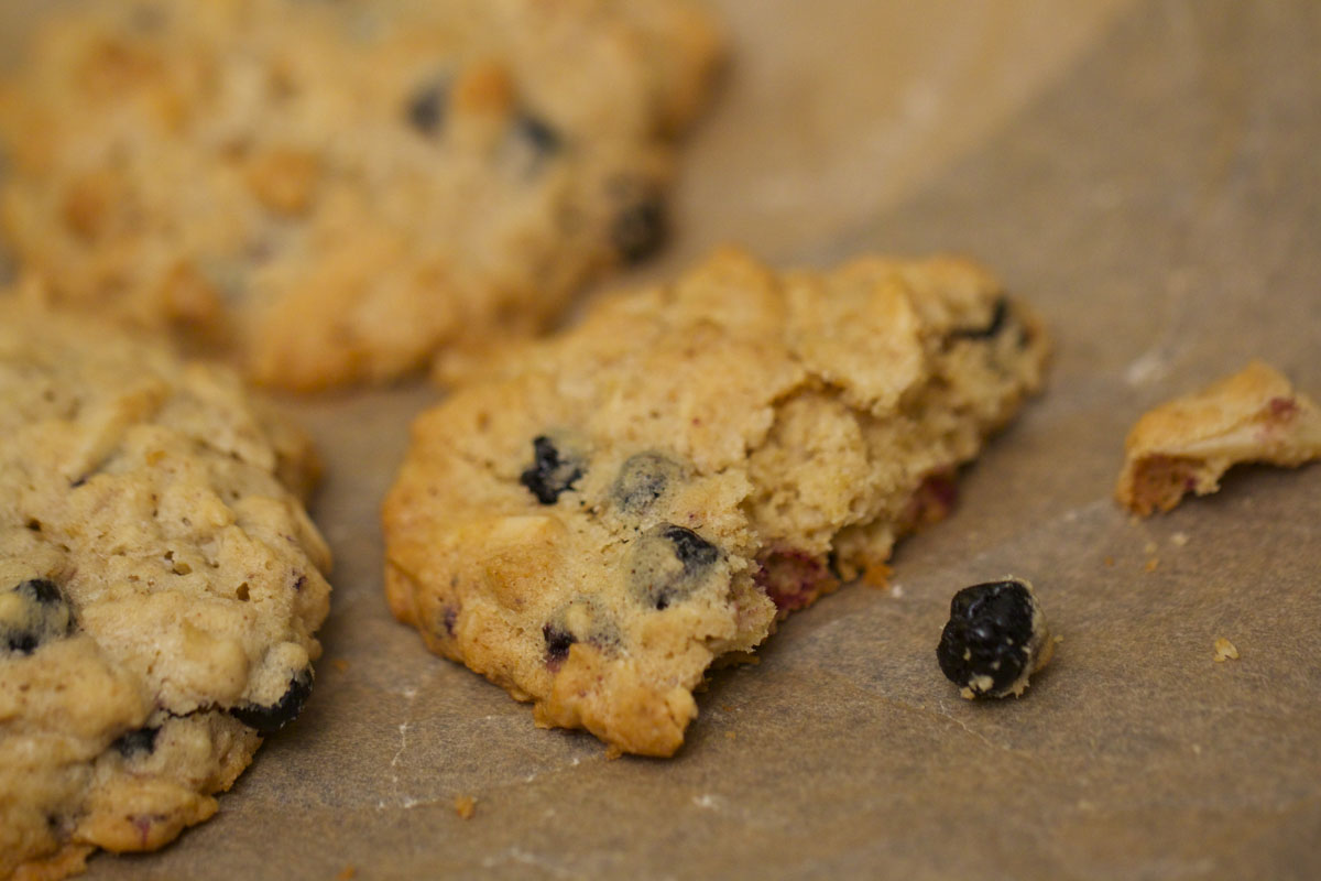 Blueberry Almond Oatmeal Cookies